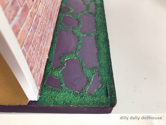 dollhouse faux flagstone with moss
