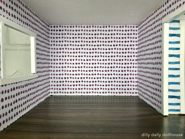 brio dollhouse interior room polka dot wallpaper