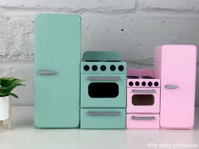 retro dollhouse stove and fridge set in 1:12 and 1:16 Lundby scale